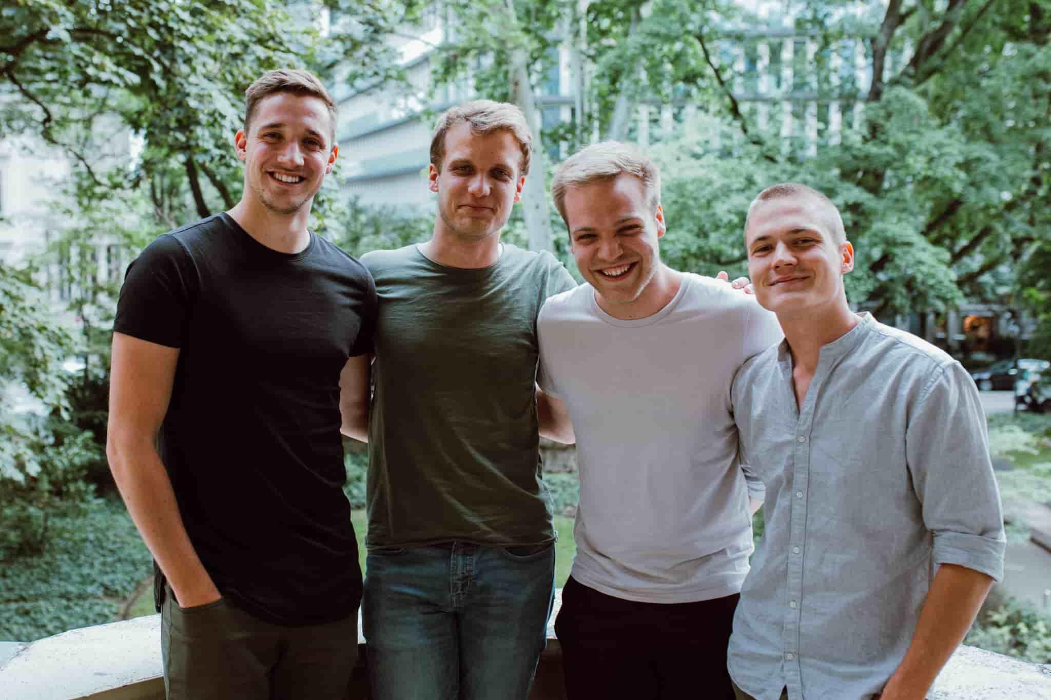 Das Team von ZweiDigital mit Marcell Butor von Facebook